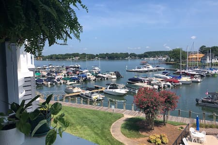 Lake Norman Waterfront 2Bed/2Bath Condo