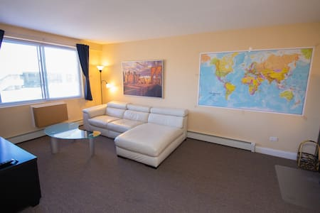 Comfy modern 1BR near O'hare. Free parking. - Chicago - Byt
