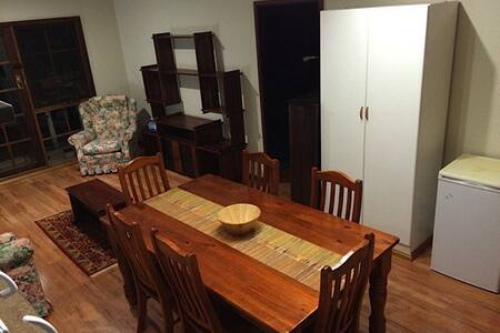 Self contained unit in Darlington on Cycle Trail - Darlington - Huoneisto