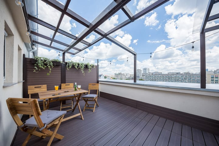 Top Floor Terrace Apartment in Central Location