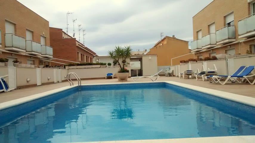 Casa espectacular verano con piscina 2ª línea mar - Cubelles - Rumah