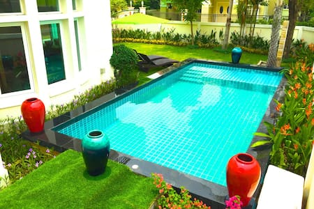 PLAYBOY 5 BEDROOM WITH PRIVATE POOL - Nonthaburi