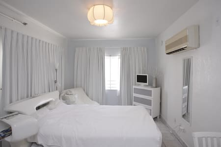 Deluxe Studio-Heart of SouthBeach - Apartment