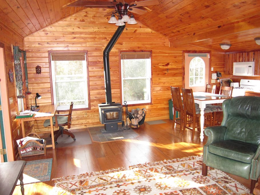 Cozy And Romantic Rustic Cabin Cabins For Rent In Astor