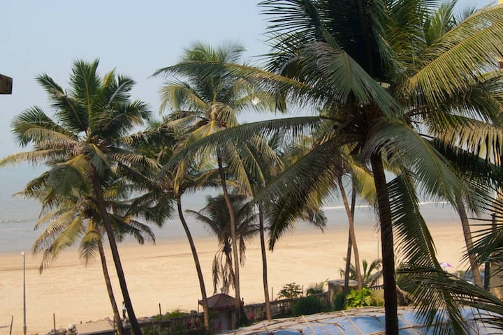Home by the Beach!! Feel the Waves - Mumbaj - Apartament