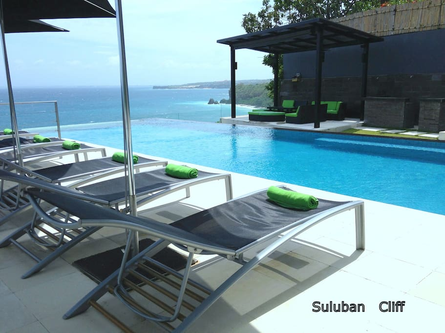 Suluban Cliff Pool Terrace overlooking Suluban and Padang Padang Beach