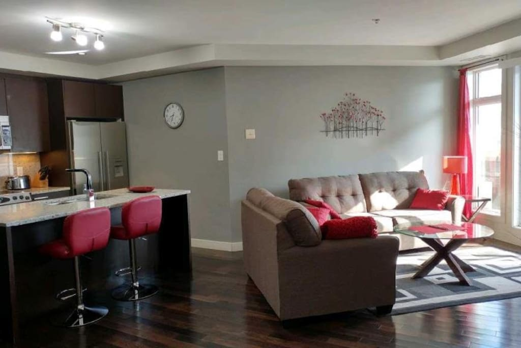 Luxury 2 bed oasis with great view of rogers place for Balcony 417 rogers arena