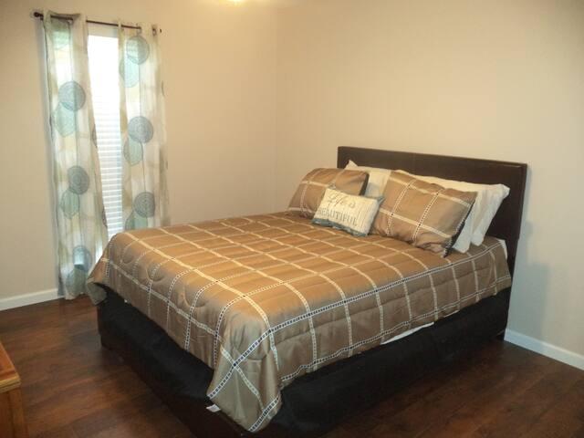 Charming 4 Bedroom Home, Convenient Location
