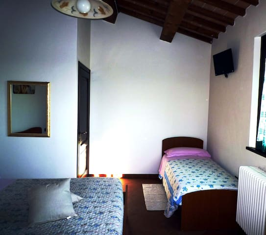 B & B a Coriano-triple room - Coriano - Bed & Breakfast