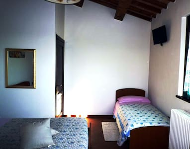 B & B a Coriano-triple room - Coriano - Bed & Breakfast