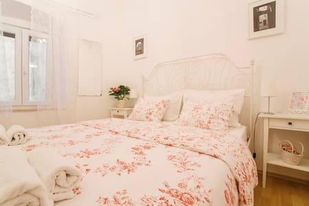Beautiful room with romantic touch - Omiš - Bed & Breakfast
