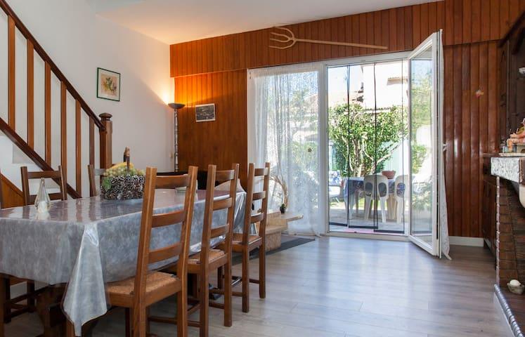 Mini villa de 63 m2 - Borgo - Dom