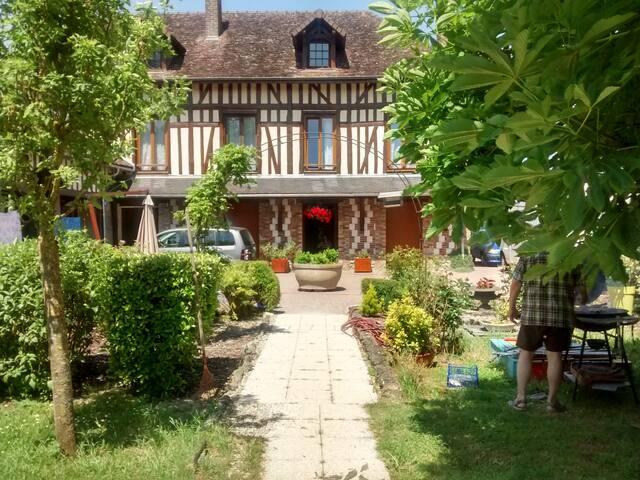 Chambre romantique dans maison champenoise