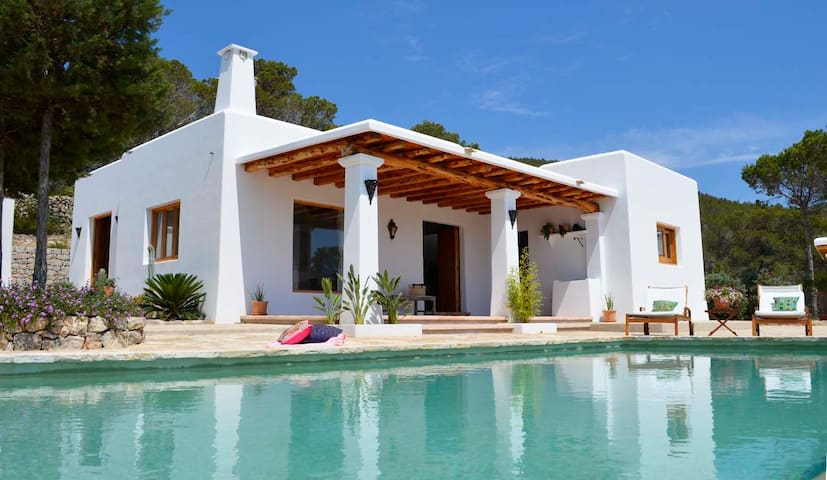 CAN PAU, quiet house with sea views -(PHONE NUMBER HIDDEN)- - Santa Eulària des Riu - Ev