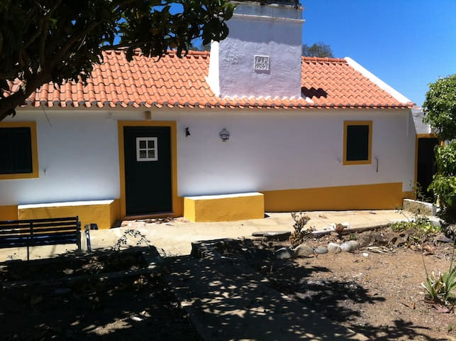 Country house - Alentejo (south of Portugal) - São Francisco da Serra - Cabaña en la naturaleza