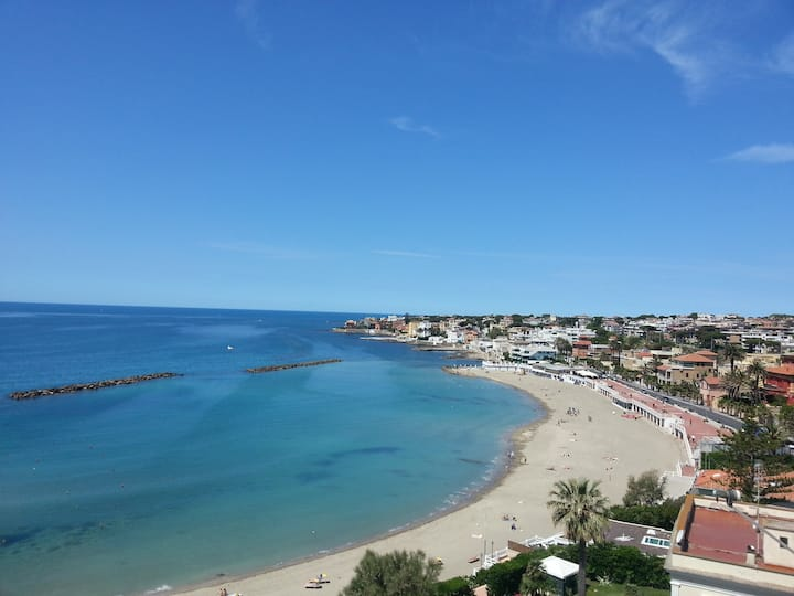 SANTA MARINELLA, beach view
