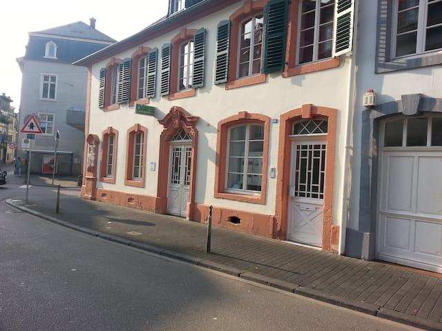 Ferienwohnung Trier, Innenstadt - Trier - Apartment