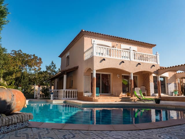Lovely quiet villa with private pool in Perpignan