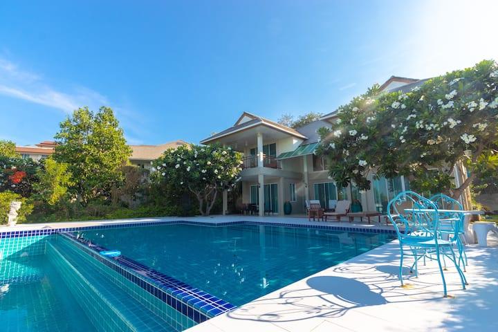 Paradise BaanRakTalay Pool Villa