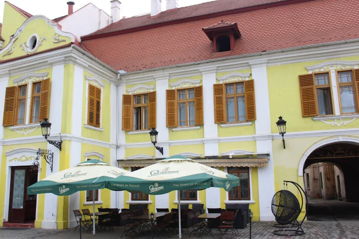 Ferdinand Apartments
