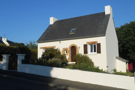Beautiful house on Brittany coast - Ploulec'h