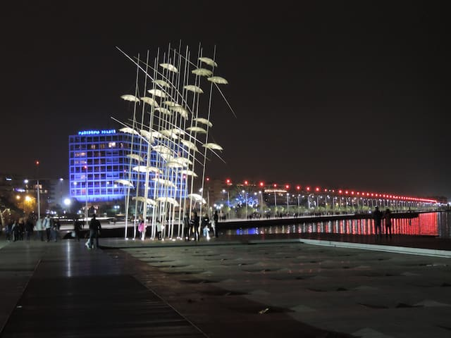 The new port of Thessaloniki. You may visit it by walking.