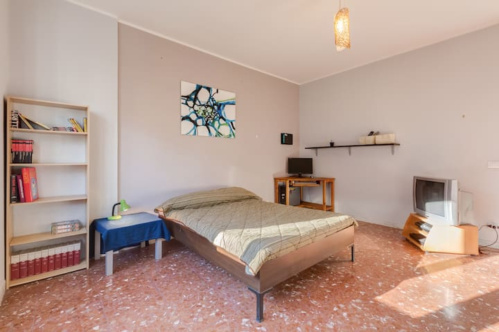 Room in Rome | Tuscolana - Roma - Bed & Breakfast