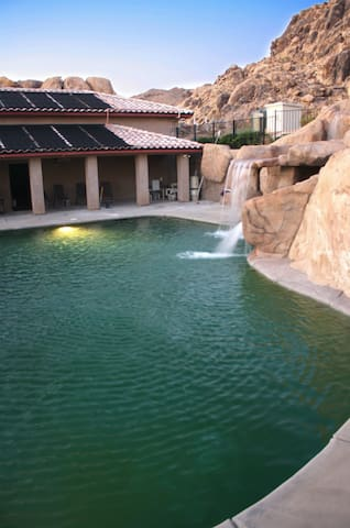 Oasis Resort Rock mountain Twin B in Apple Valley