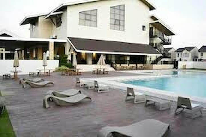 Private Rm in Cavite near Cavitex, EPZA, Lancaster
