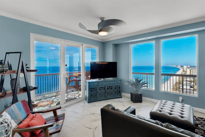 Labor Day Available~Living in the Heavens~Panoramic Views~Wrap around Balcony