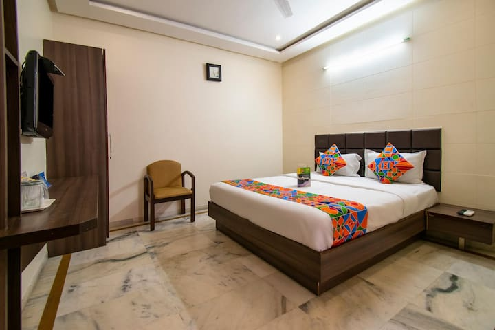 Exotic Standard Palace Near Ahmedabad Junction Railway Station