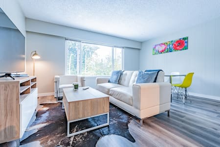 Modern Luxurious Home  Near Vancouver City Center!