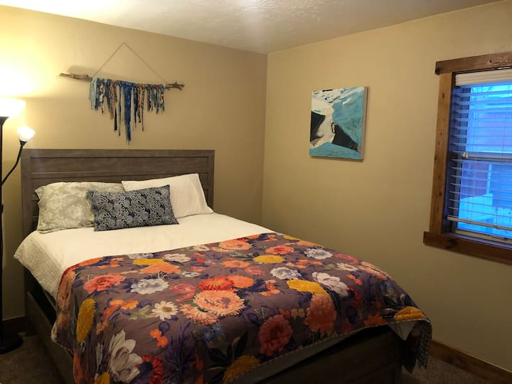 Cute Private Room in Heber (20 min from Park City)