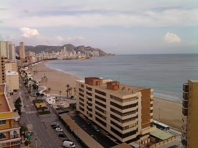 Vistas al  mar, playa poniente