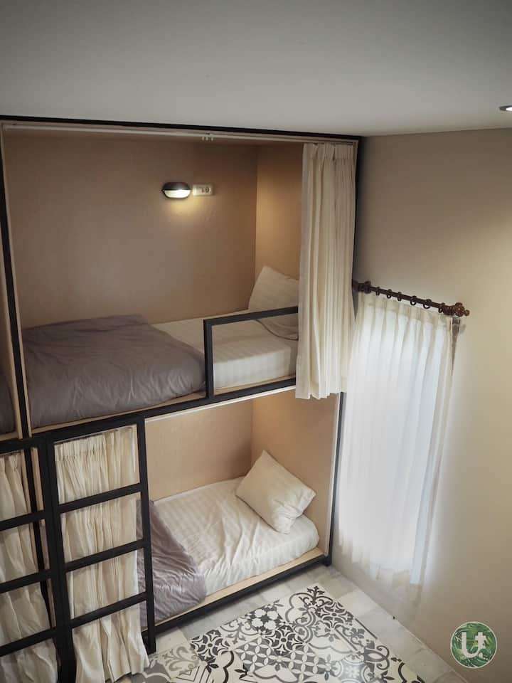 Ubud Tropical 10-Bed Mixed Dormitory