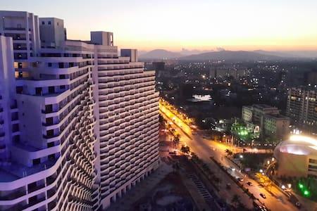 我的公寓位于海南省陵水,交通方便。从三亚及海口都可乘高铁到达,高铁站据公寓很近,不到十分钟车程。 - Wohnung