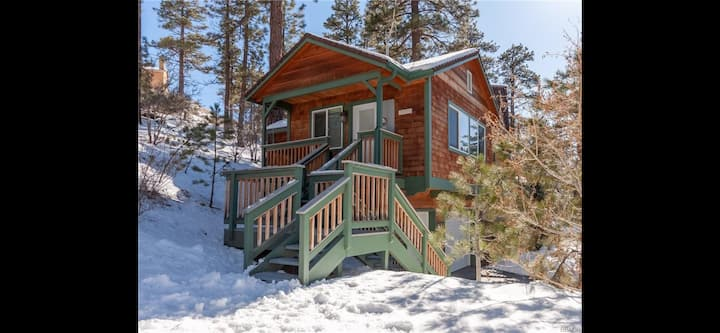 Big Bear Studio Near All W/ Parking!Pets Ok!