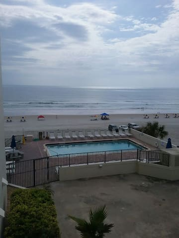 OCEANFRONT DAYTONA BEACH  2BD/2BA, NON SMOKING! - Daytona Beach  - Condomínio