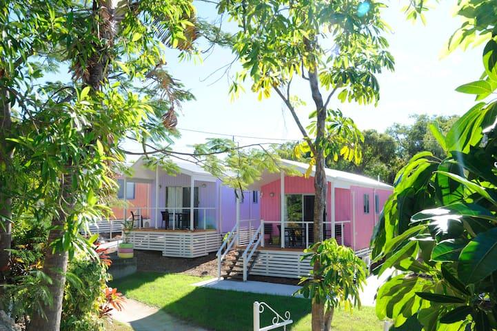 Beach Huts - Bowen - Villa