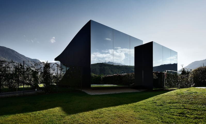 Mirror House North - Bolzano - Hus