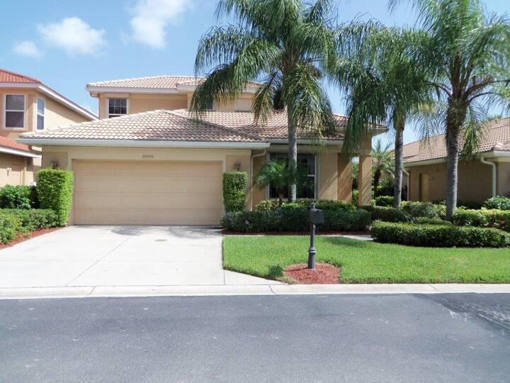 Gorgeous 3BR/2BA Estero Florida home for rent!