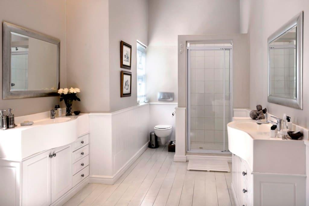 De luxe Angel Suite Bathroom