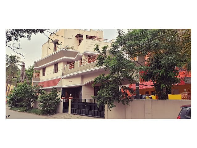 New 1BHK Flat available@Velachery/ AC / WiFi / TV