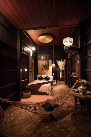 Old Khmer Wooden House Air-con Room - Krong Siem Reap  - House