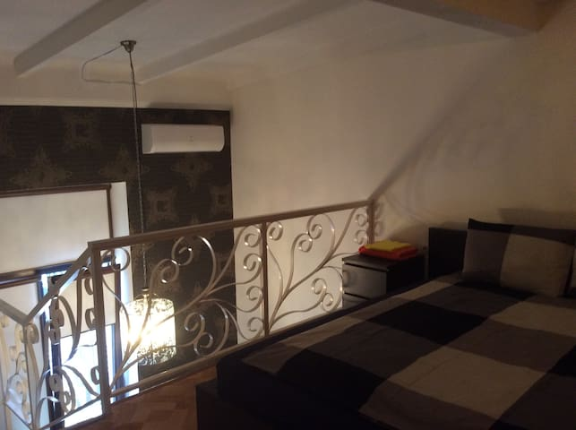 Уютные двухуровневые апартаменты  - Abrau-Dyurso - Квартира