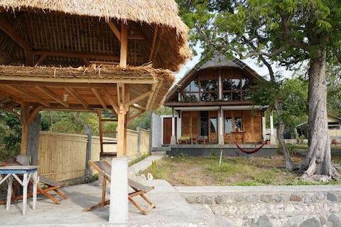 Villa Watumita - cozy beachside villa - Maumere