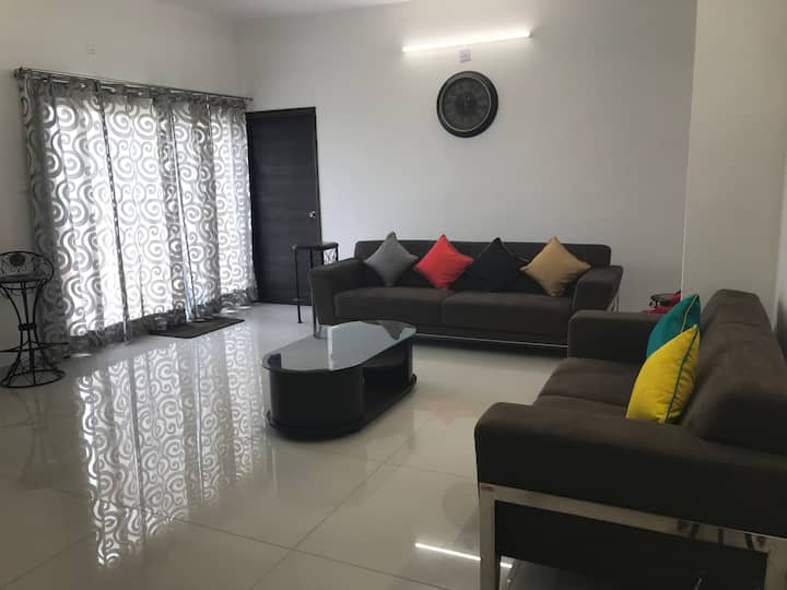 Satvam 3-3BR, Full Furnished Holiday Home-Vadodara