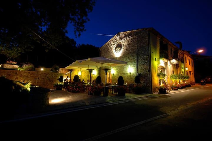 Affitto camere vicino Saturnia - Montemerano - Bed & Breakfast