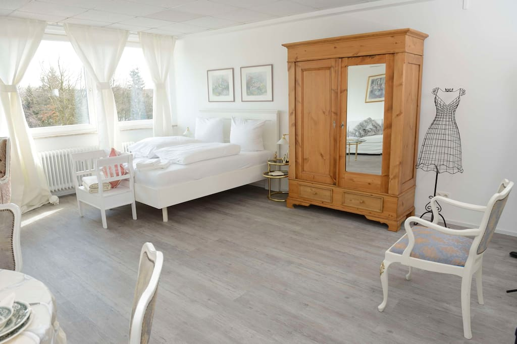 apartement 47 shabby chic flats for rent in hamburg hamburg germany. Black Bedroom Furniture Sets. Home Design Ideas