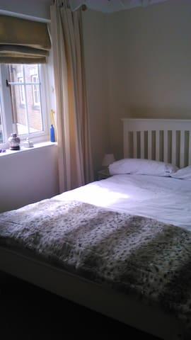 Sunny Double bed-room with en-suite shower-room